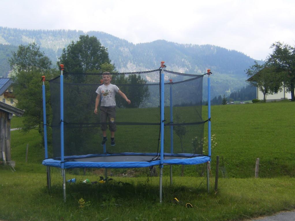 Biohof Haus Wieser, Abtenau, Salzburg Land, Trampolin