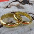 Schweizer Naturgold Eheringe geschmiedet