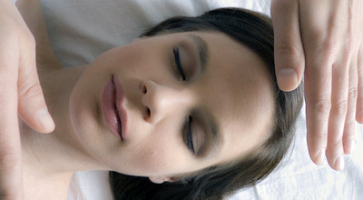 Reiki Handposition Kopf