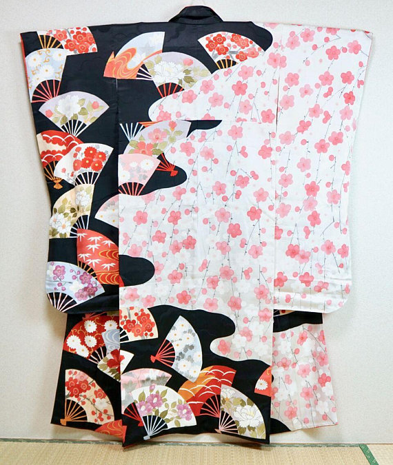 Vintage Kimono. Not easy to get the great quality one Source: Salz Kimono