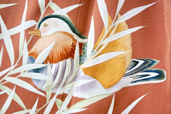 Cute ducks, all hand painted!! Source: salz kimono