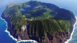 Planst du einen Besuch auf einer einsamen Insel oder einer Gegend mit Unterkünften, welche keine Homepage haben? Wir helfen gern mit der Buchung. Source: Charly W. Karl