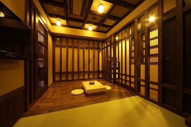 Samurai time jail themed room  Source: hotel us's official website