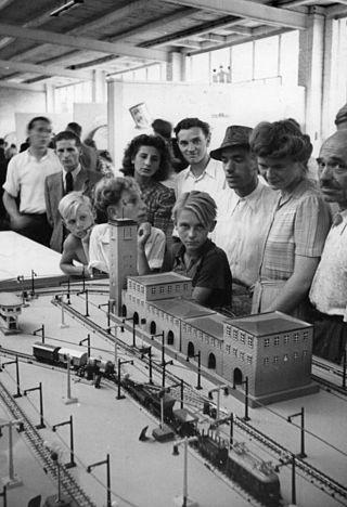 1947年当初の見本市 source: wikipedia