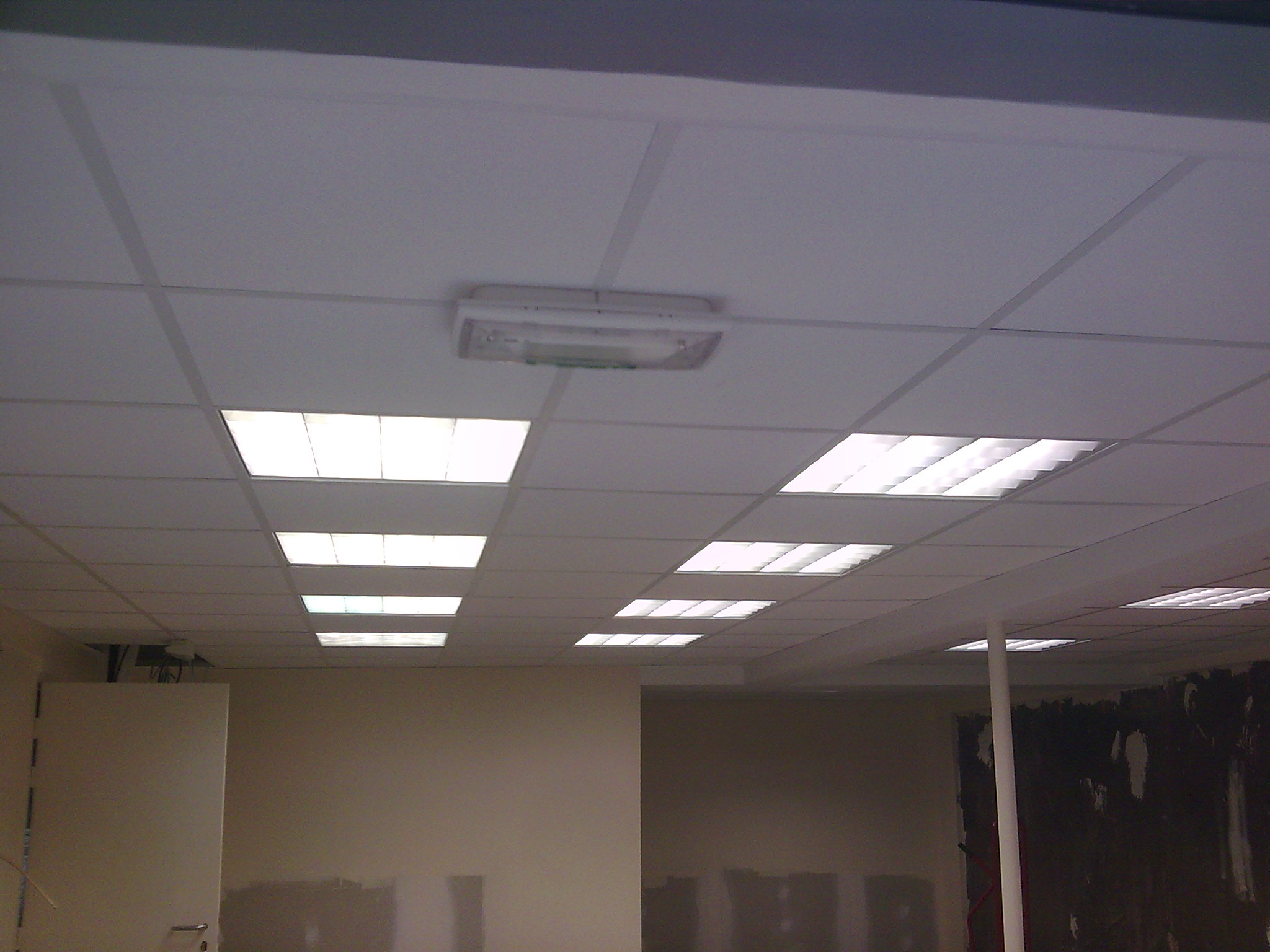 Plafond suspendu en dalles de 60 x 60 Activ Renovation  Epinal