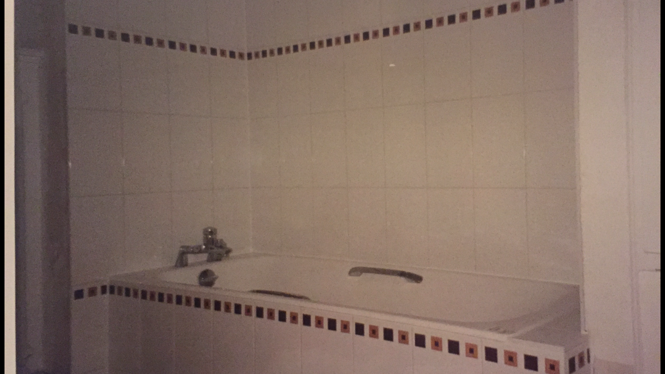 Carreler une salle de bain avec baignoire  Activ Renovation Strasbourg 67