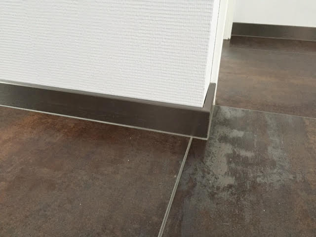 La pose de joints en silicone bas de plinthe Activ Renovation Lauterbourg 67