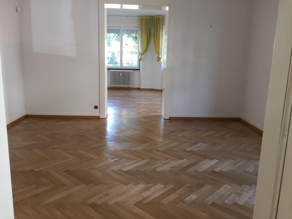 Après ponçage de parquet et vitrification de deux couches vernis Strasbourg 67
