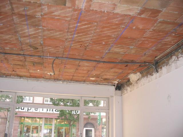Démolition d'un faux plafond