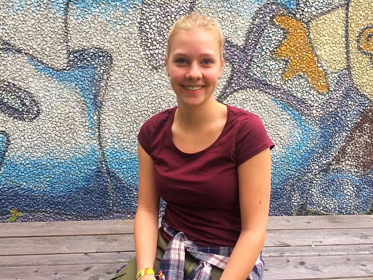 Viele junge Menschen gehen nach dem Schulabschluss ins Ausland. Nele Hohagen blieb da - und zwar bewusst! Im Jugendzentrum in Aurich absolviert sie ihr FSJ.