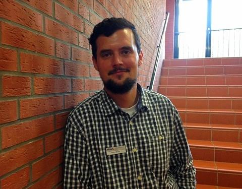 """Malte Bruns ist Koordinator bei der Freiwilligen-Agentur Aurich. Er berät Menschen, die ein Freiwilliges Soziales Jahr (FSJ) planen. Wir wollten von ihm wissen: """"Ist freiwillig das neue ehrenamtlich?"""""""