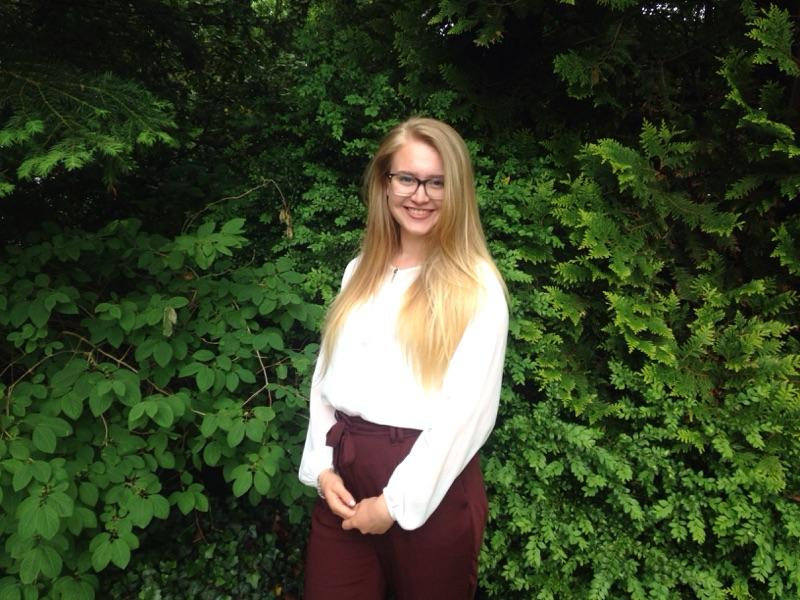 """Lea Hayenga (18 Jahre): """"Jedes kleine Geben und Nehmen bereichert die Welt"""""""