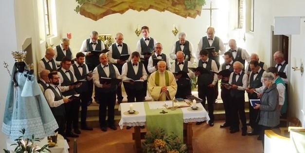 11.Nov.2018  Männerchor zu Gast auf der Iddaburg