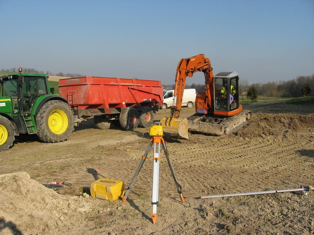 02/02/2012 terrassement de l'emplacement de la roulotte 1
