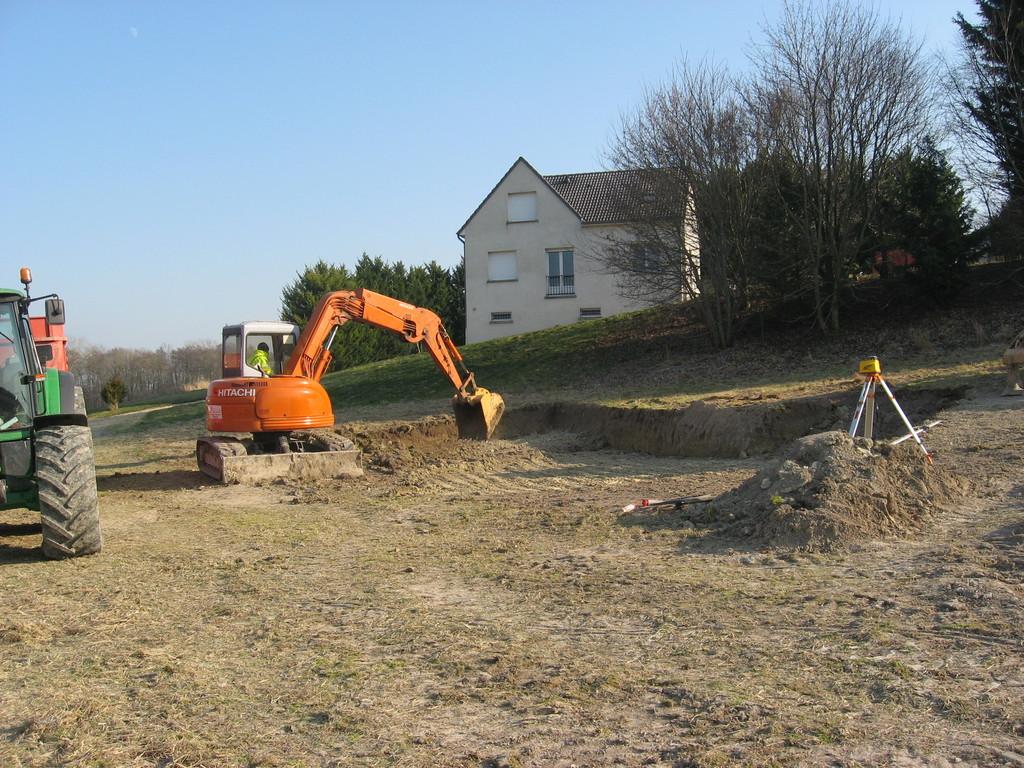 02/02/2012 terrassement de l'emplacement de la roulotte 3