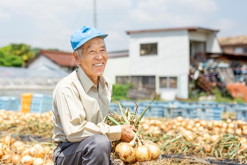 収穫をすでに終えた小澤さん、でも玉ねぎの出荷は7月下旬まで続くよ!