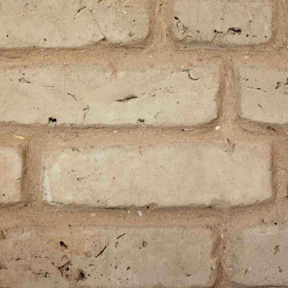 Ungebrannte Lehmsteine vom ökologischen Baustoffhandel in Büttjebüll/ Nordfriesland
