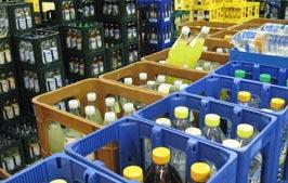 Kisten im Getränkemarkt XXQuell in Faßberg