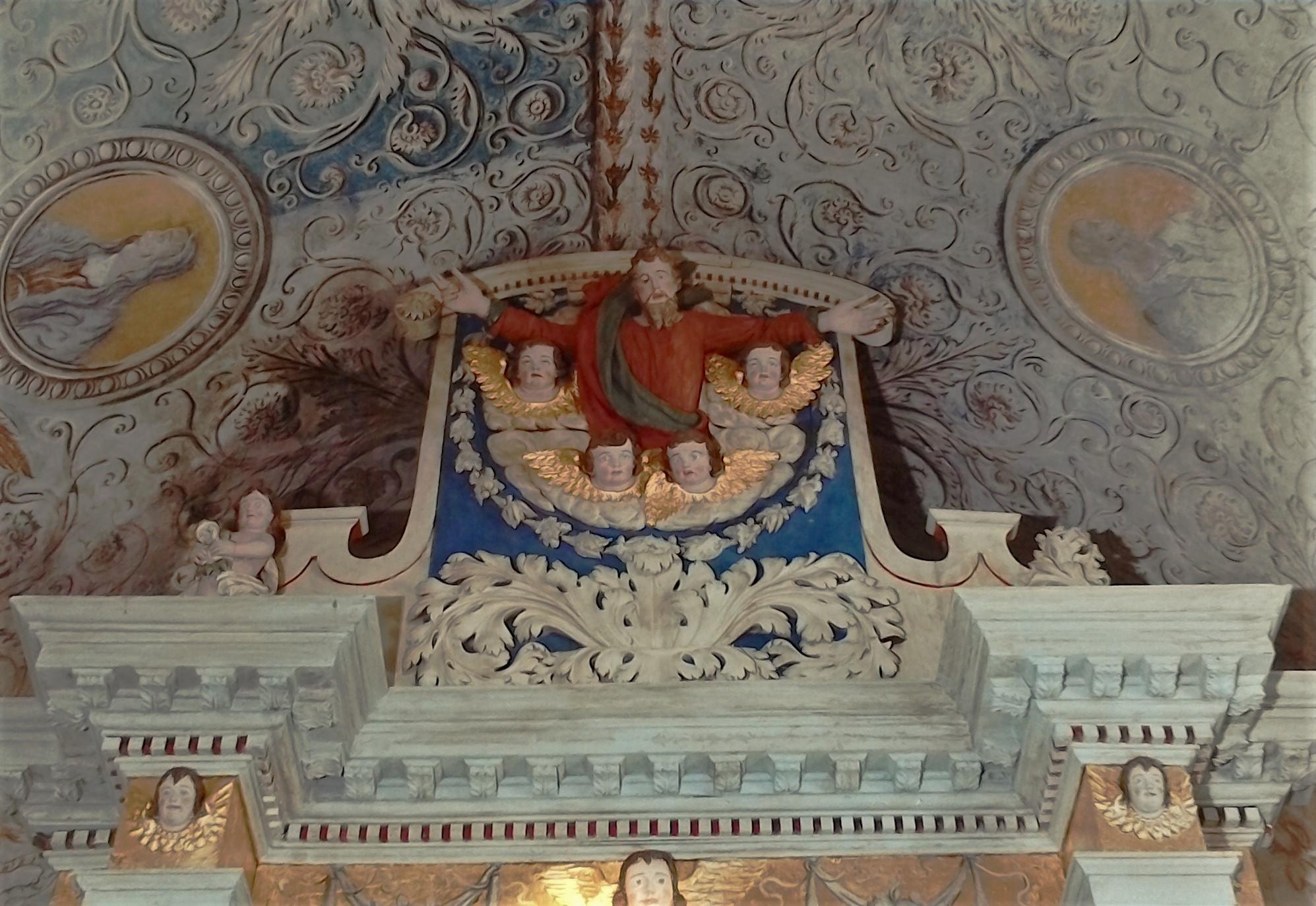 Autel baroque et fresques - Chapelle
