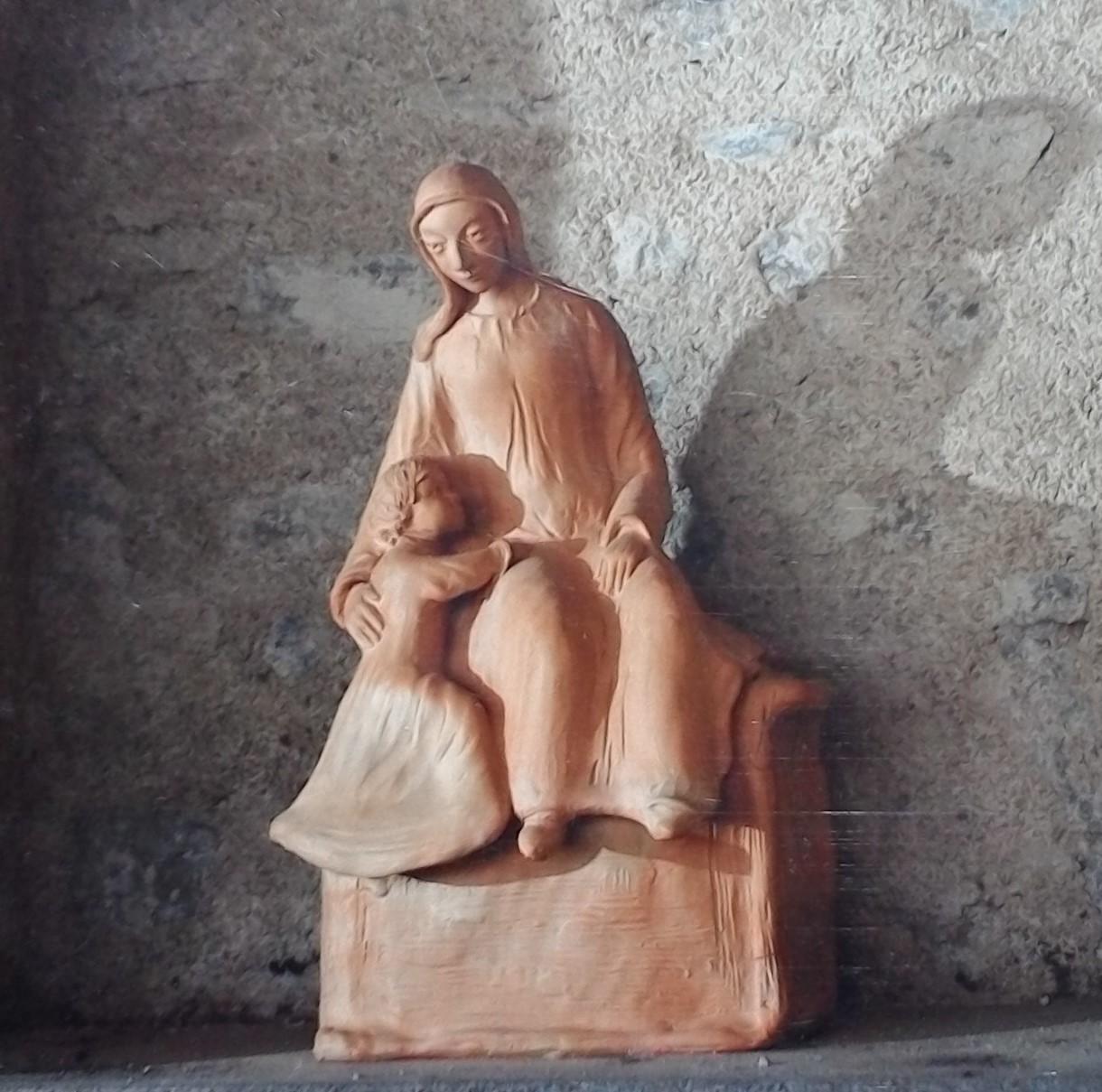 Vierge à l'enfant XXe s. Bernard Chassain à Néronde - Chapelle
