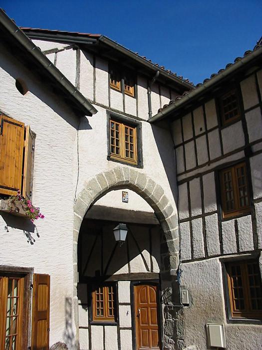 Porte place du Pilori (recto)