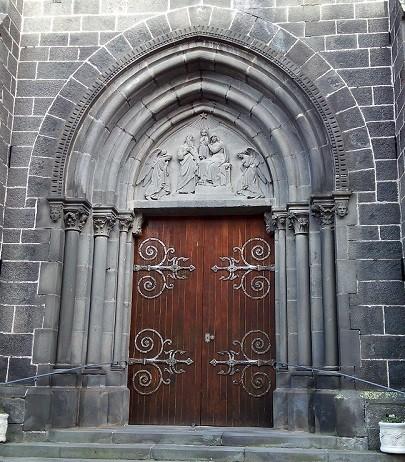 Porte d'entrée (Eglise)