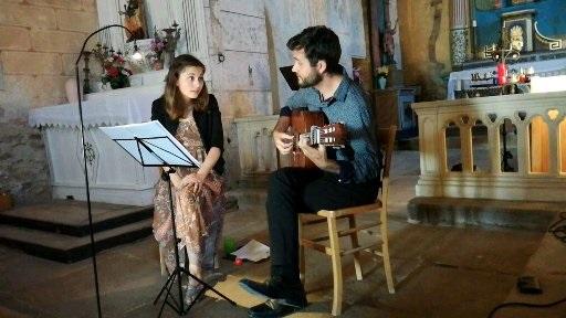 Duo Darshan à la chapelle de Néronde