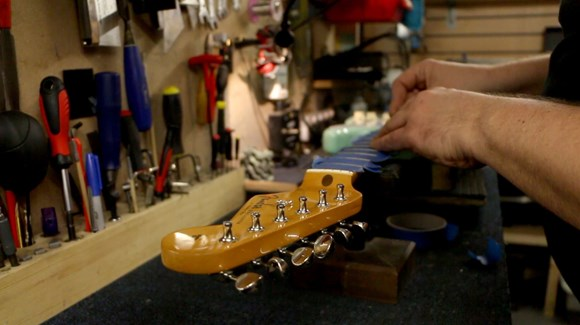 guitar maintenance, guitar setup, luthier sicily, guitar repair italy, sicilian lutherie, musical instruments
