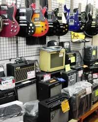 楽器販売-店内の様子