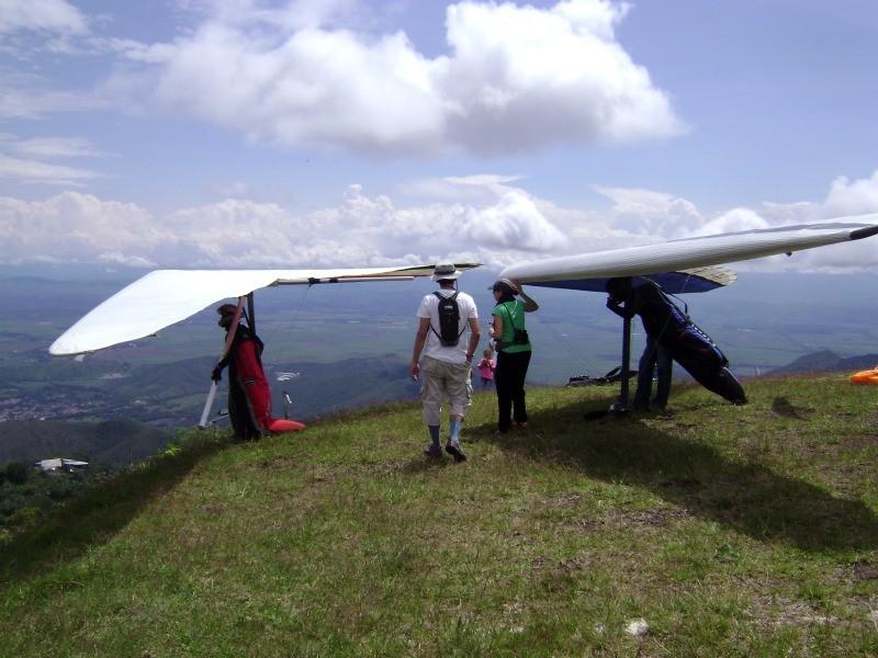 Drachenflieger haben ebenfalls viel Spass in Roldanillo