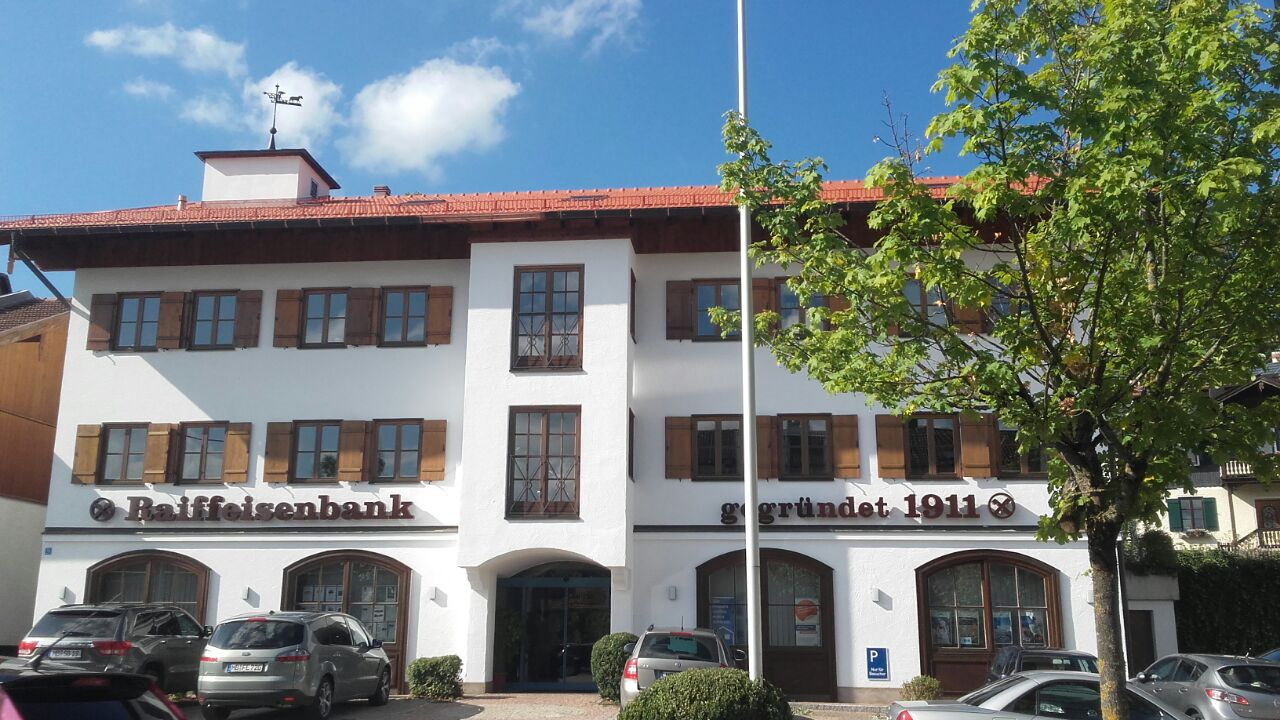 Dachsanierung Raiffeisenbank Gmund