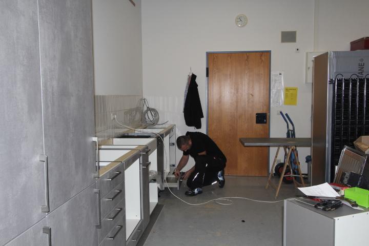 ... am Ende des Tages steht unsere neue Schulküche. Wir sind begeistert!