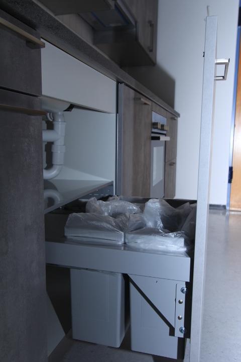 """Der nachträglich eingebaute Boiler erfordert kleine """"Nachbesserungen""""..."""