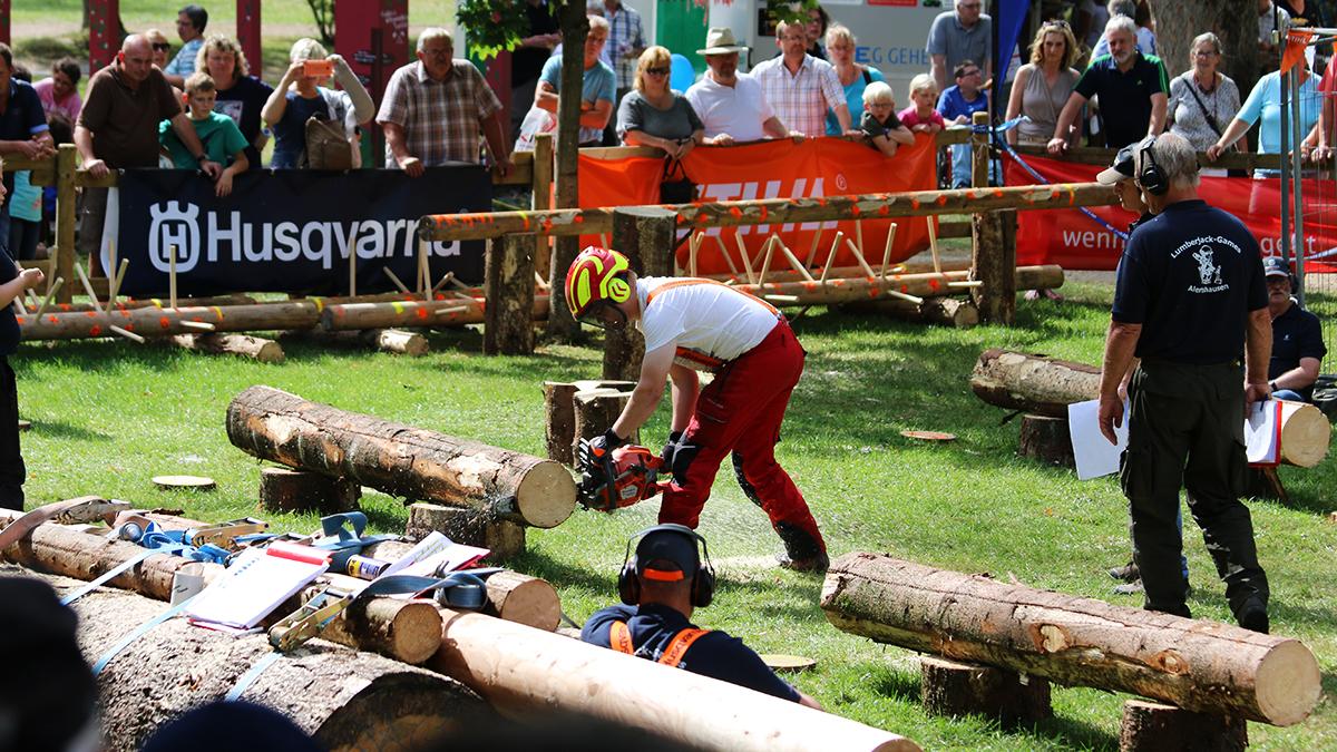 Lumberjack Games - Attraktion auf dem Berleburger Holzmarkt