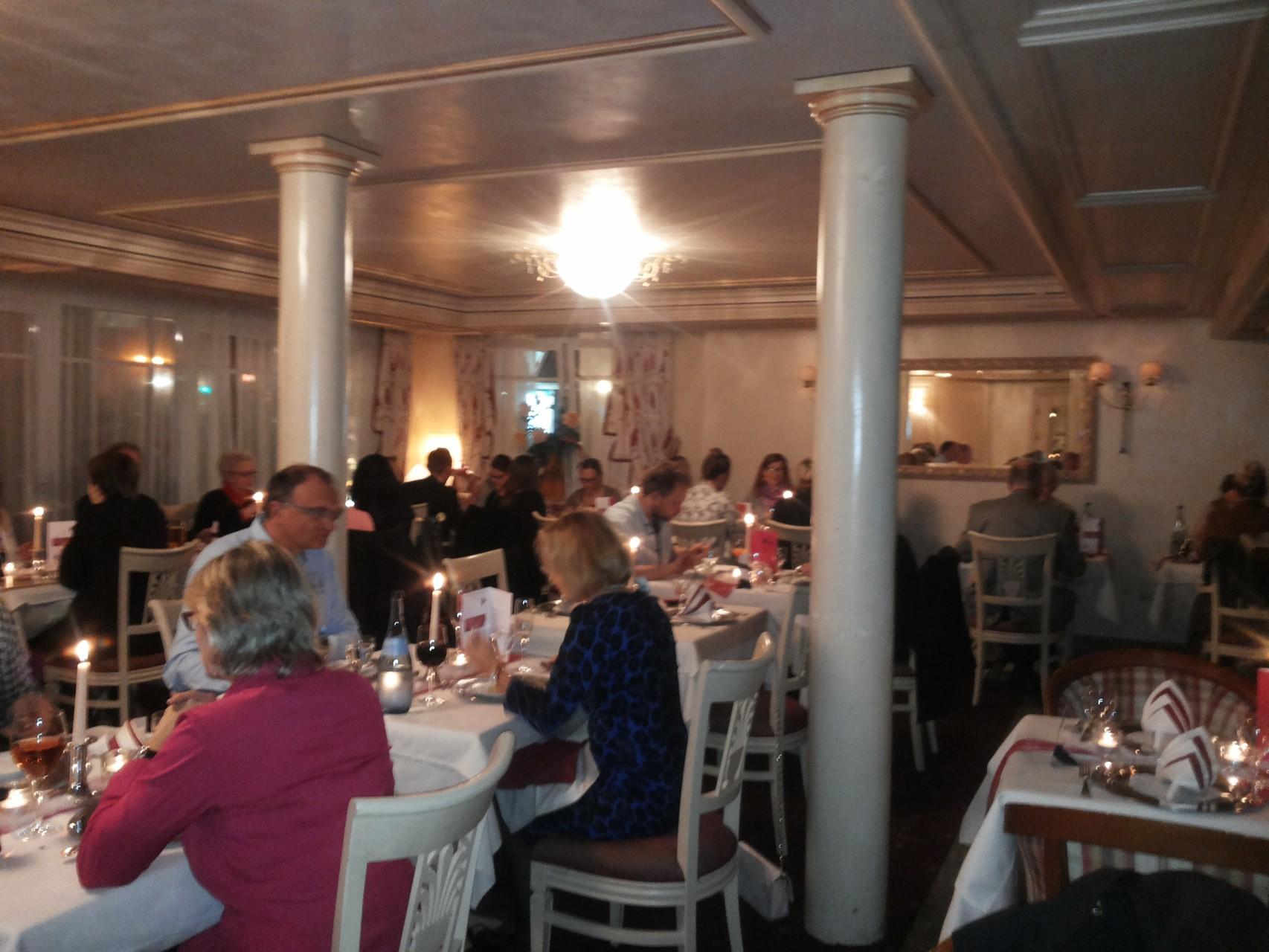 Magic Dinner Show in Ihrer Wunschlocation mit Magic Oli Wonder  in Heilbronn, Karlsruhe, Pforzheim,