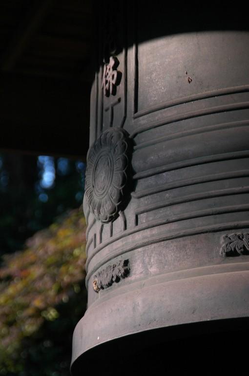 再建された鐘楼の梵鐘