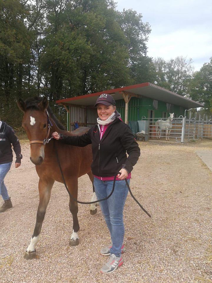 Henry mit seiner Besitzerin  Bettina