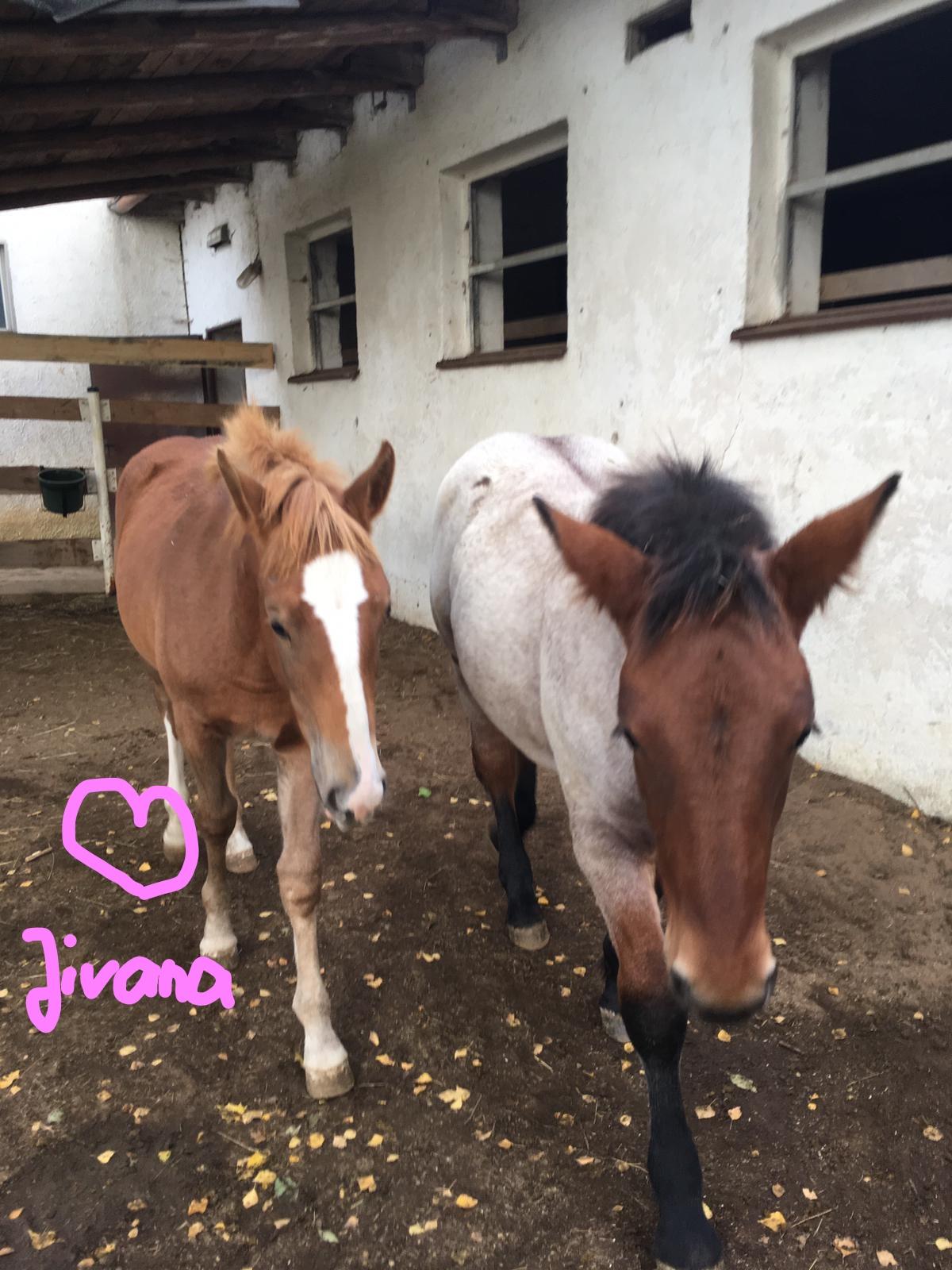 Jivana mit Freundin