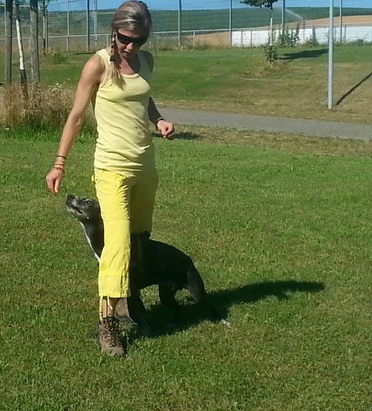 Slalom durch die Beine