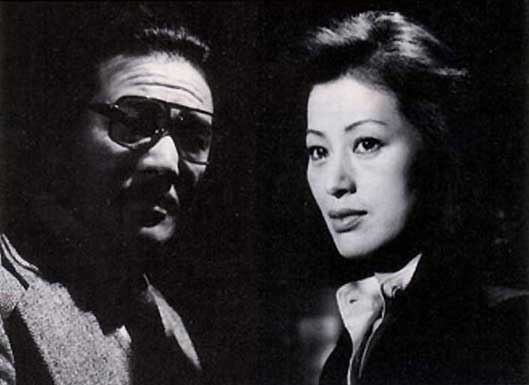 Tôkyô Megure Keishi, série télévisée de 25 épisodes diffusée du 14 avril au 29 mai 1978 sur TV Asahi. Il ne s'agit pas d'un doublage de la série française, mais bel et bien d'une production japonaise où Aikawa apparaît en personne dans le rôle du commissa
