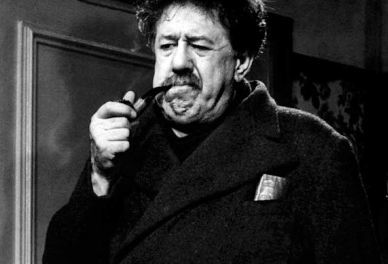Michel Simon incarna Jules Maigret en 1952 dans « Brelan d'as » sous la direction d'Henri Verneuil.