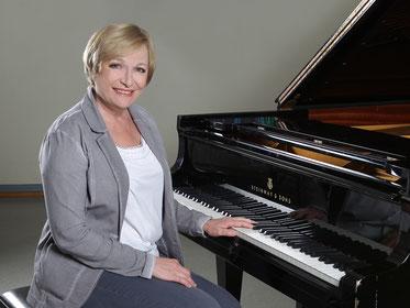 Klavierunterricht in Köln bei Larissa Illenseer