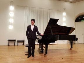 Yongsuk Choi, Klavierlehrer in Karlsruhe-Stutensee