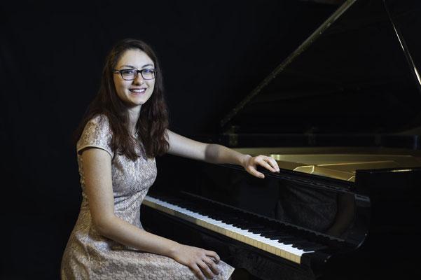 Djina Perazic, Klavierlehrerin in München-Sendling, Isarvorstadt, Haidhausen, Maxvorstadt