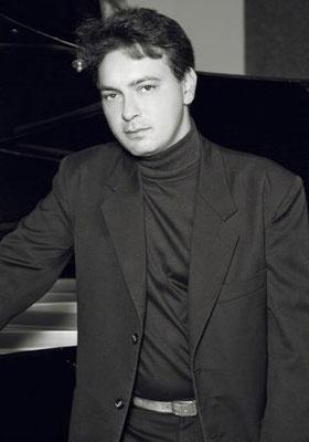 Klavierunterricht in München-Obermenzing bei Klavierlehrer Béla Lakatos