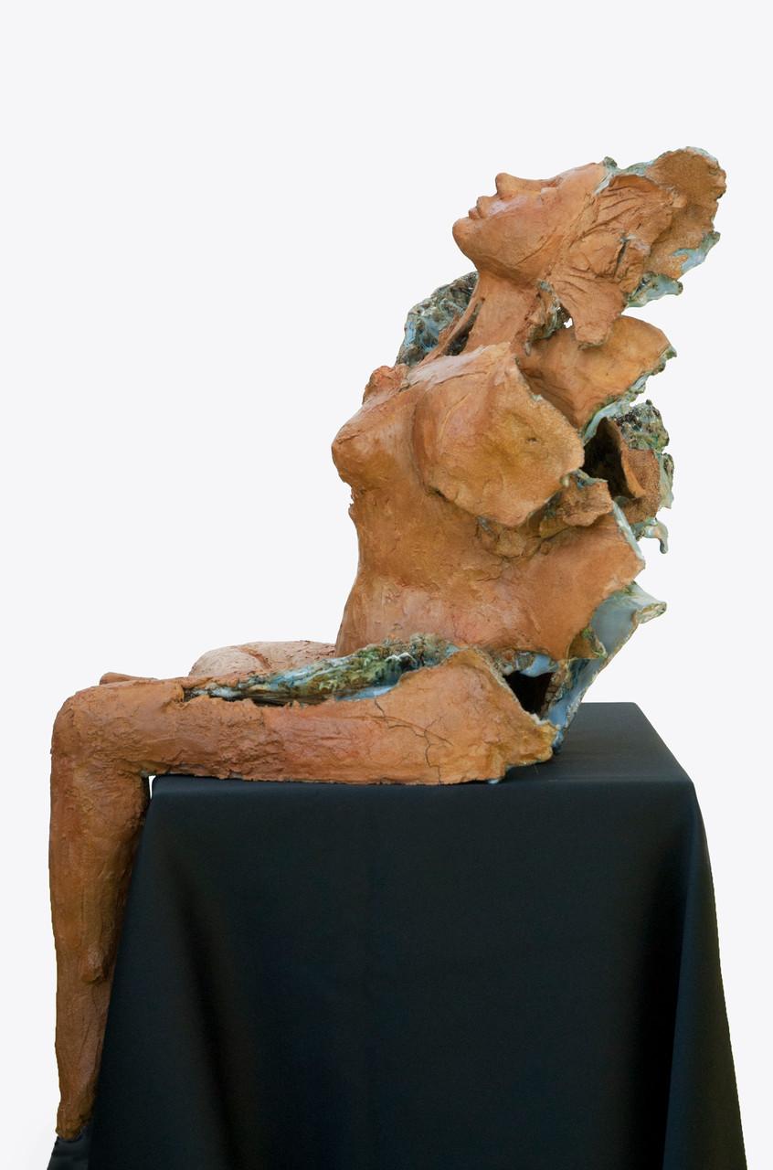 Love is blue, sculpture femme grès et émaux - street sculpture