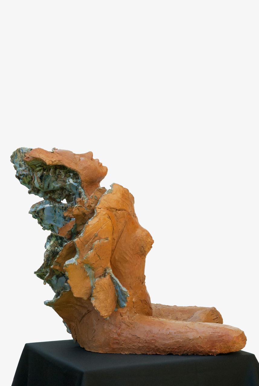Love is blue, sculpture femme grès et émaux- street sculpture