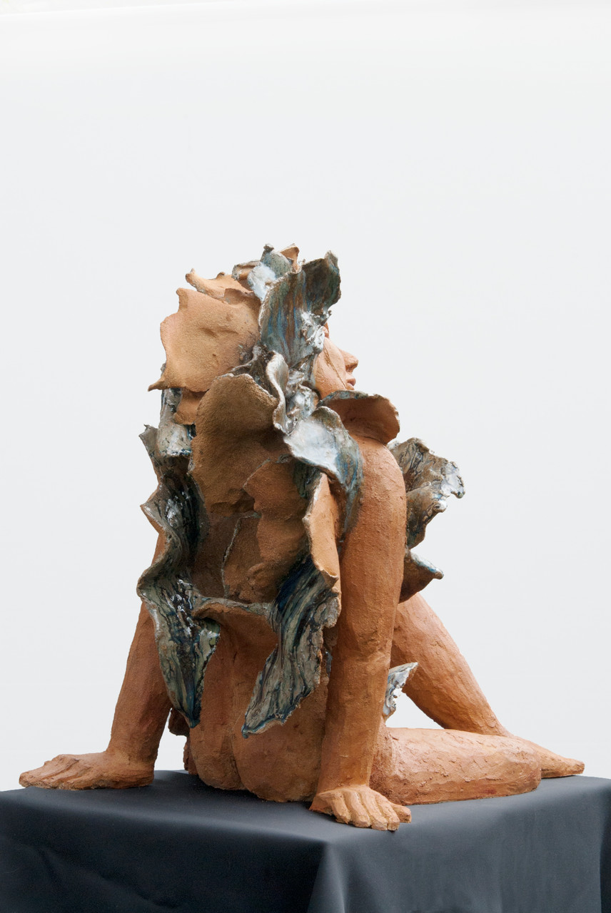 Joy is blue, sculpture femme grès et émaux - vendue