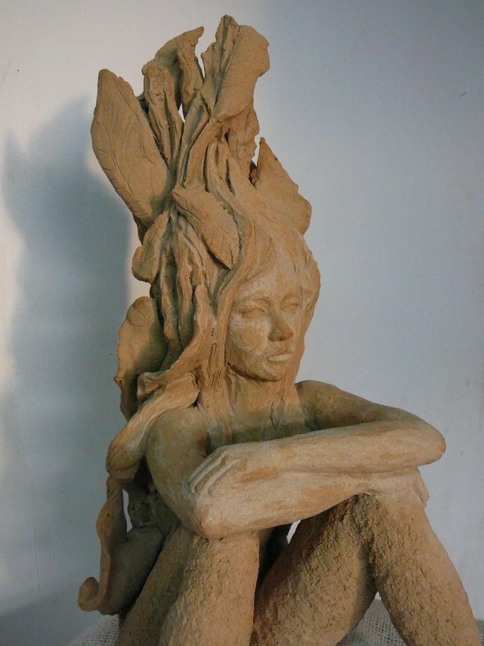 Vous le saviez,sculpture femme,  grès - vendue
