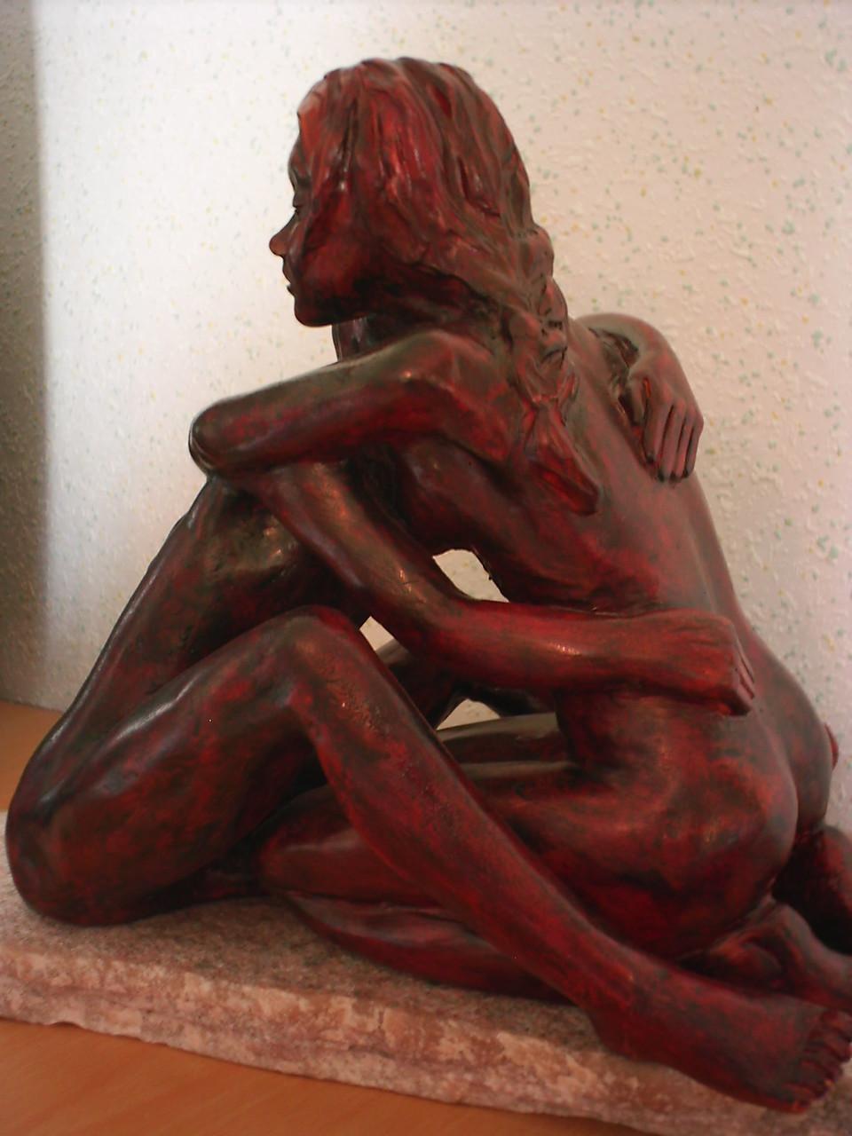 Les yeux fermé, sculpture couple, terre patinée - vendue